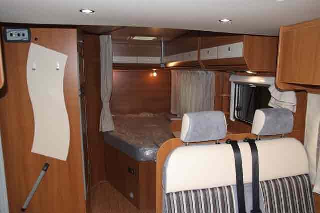 Interior de la autocaravana carado t 348 - Interiores de caravanas ...