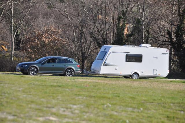 Su dinamismo es notable tanto cargando la caravana como por libre.