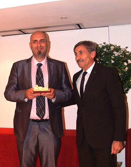 El hijo de Josep Isern recogió el premio en su nombre