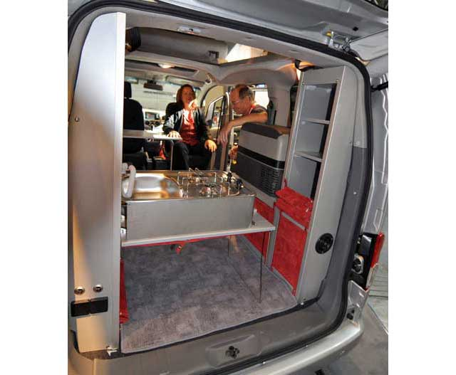 nissan nv200 evalia camper zooom 1. Black Bedroom Furniture Sets. Home Design Ideas