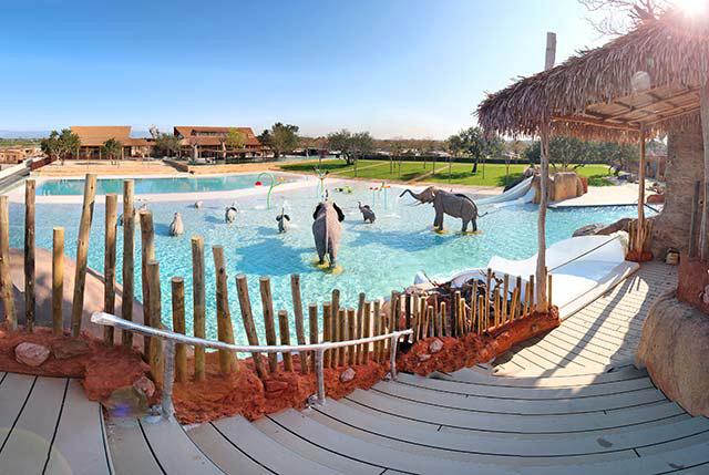 La espectacular Africa Pool no pasa desapercibida