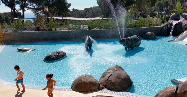 Nueva piscina del camping Cala Gogó