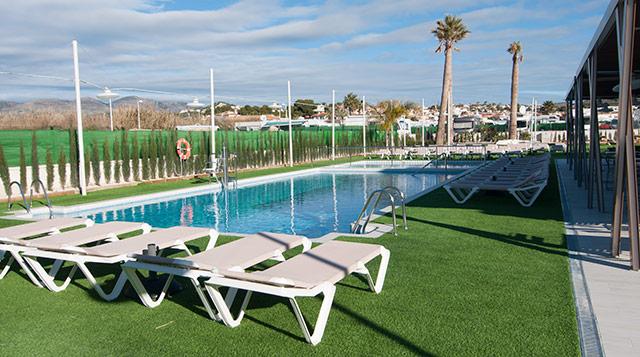 Zona de piscinas del Camping Sol de Calpe Austral