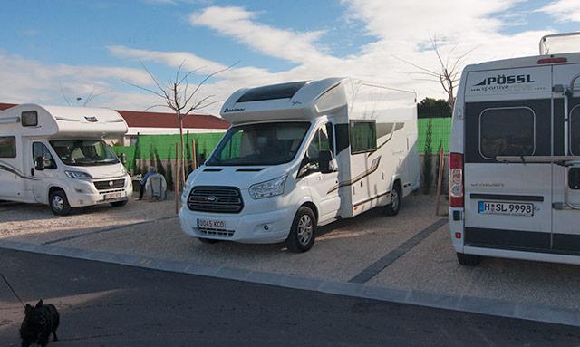 Nuestra autocaravana acampada en el Austral