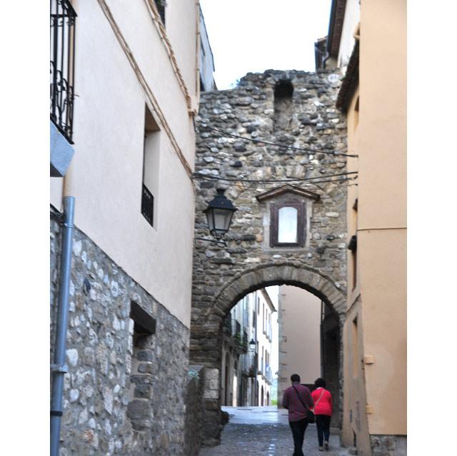 Paseando por las calles de Besalú