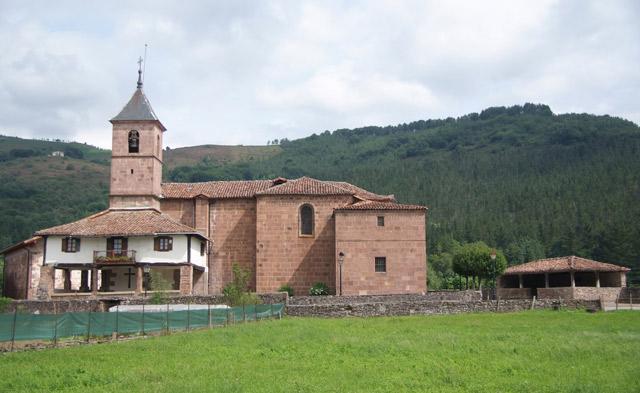 Iglesia de Elbete a tiro de piedra de Elizondo