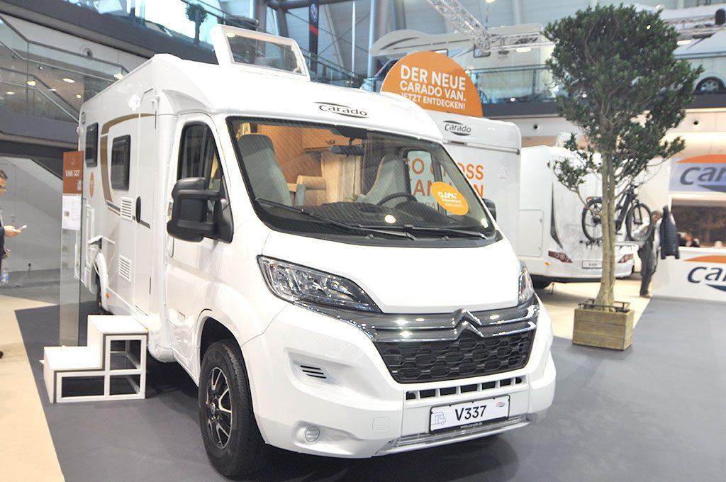 la autocaravana Carado V337 premiada por el DCC